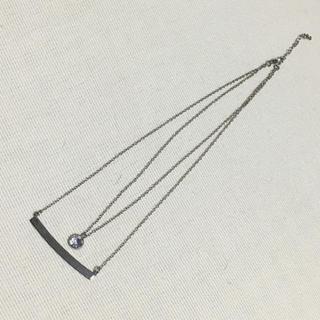 ジーユー(GU)の値下げ❗️【美品】 GU♡大粒ストーンとメタルバーの2連ネックレス シルバー色(ネックレス)