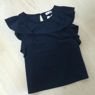 バイバイ(ByeBye)の新品♡バイバイ ラッフルスリーブブラウス フリル袖(シャツ/ブラウス(半袖/袖なし))