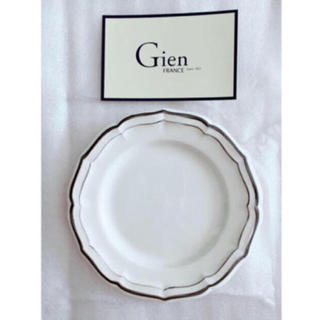 サラグレース(Sarah Grace)の*新品未使用* サラグレース Gien ディナープレート グレー 27cm(食器)