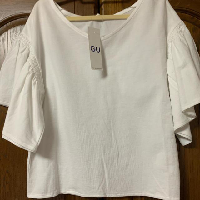 GU(ジーユー)のブラウスとワンピース レディースのトップス(シャツ/ブラウス(半袖/袖なし))の商品写真