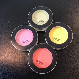 ドド(dodo)のドド アイシャドウ 4色 ピンク オレンジ グリーン イエロー(アイシャドウ)