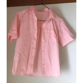 ジーユー(GU)のピンクシャツ(シャツ/ブラウス(半袖/袖なし))