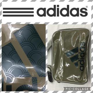 アディダス(adidas)のオリーブ27L  adidasエナメルバッグ(ショルダーバッグ)