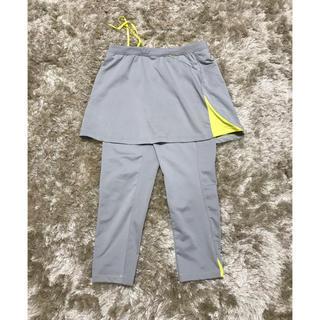ユニクロ(UNIQLO)のスポーツパンツスカート付き(トレーニング用品)