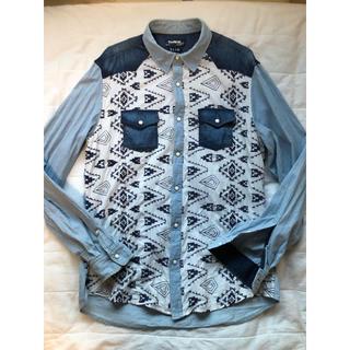デシグアル(DESIGUAL)のデザインシャツ前面柄刺繍L(シャツ)