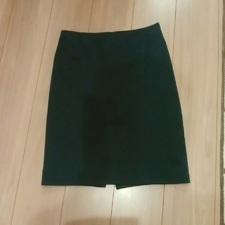 ワールドベーシック(WORLD BASIC)のワールドベーシック 緑色スカート(ひざ丈スカート)