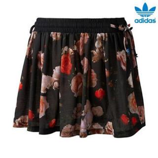 アディダス(adidas)のアディダス ローズオールオーバースカート(ミニスカート)
