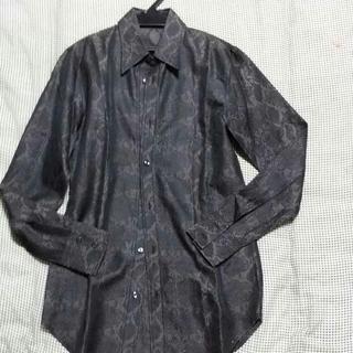 シェラック(SHELLAC)のSHELLAC パイソン柄 ドレスシャツ 44サイズ(Tシャツ/カットソー(七分/長袖))