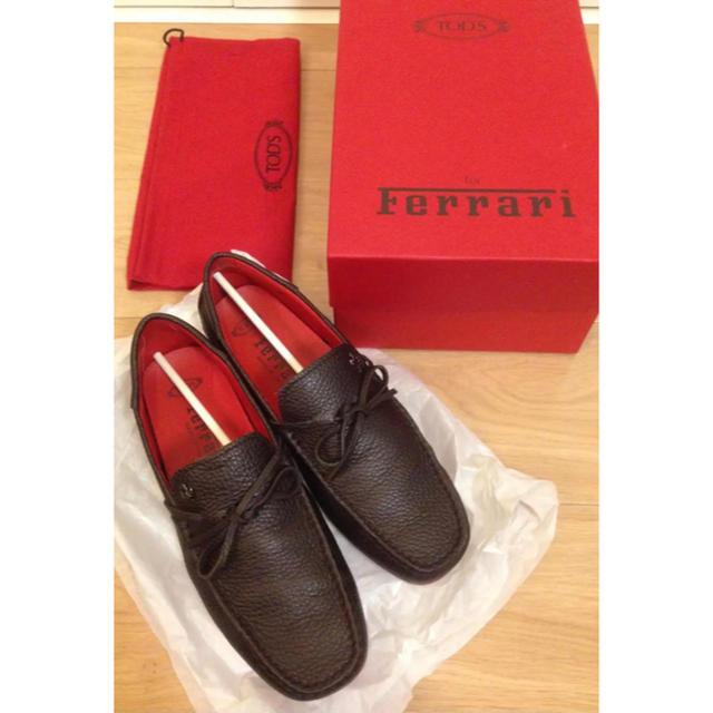 TOD'S(トッズ)の一度使用TOD'S Ferrari 美品 メンズ ドライビングシューズ サイズ6 レディースの靴/シューズ(ローファー/革靴)の商品写真