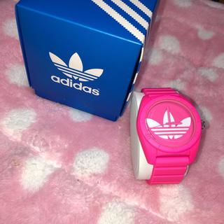 アディダス(adidas)のadidas 腕時計 ピンク(腕時計)