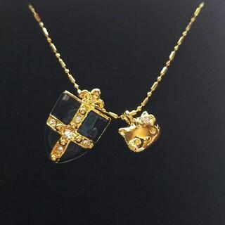 サンリオ(サンリオ)のハローキティのネックレス(ゴールド×ネイビー)(ネックレス)