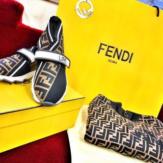フェンディ(FENDI)のFENDI(福地様専用)(スニーカー)