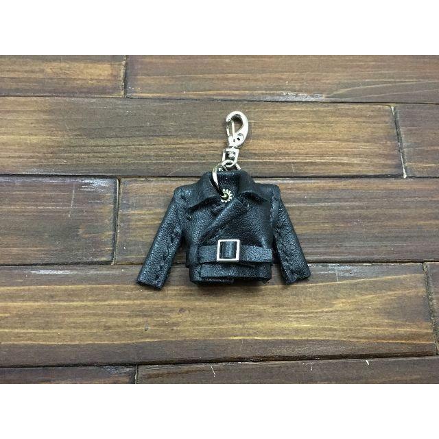 超小さい!本革製親指ライダースジャケット【牛革黒】 ハンドメイドのファッション小物(バッグチャーム)の商品写真
