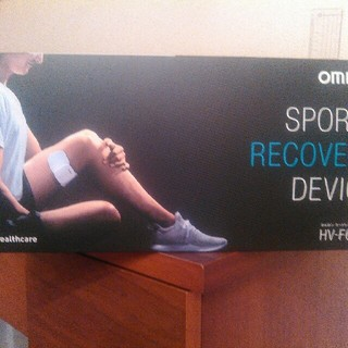 オムロン(OMRON)のオムロン コードレス低周波治療器 HV-F601T(その他)