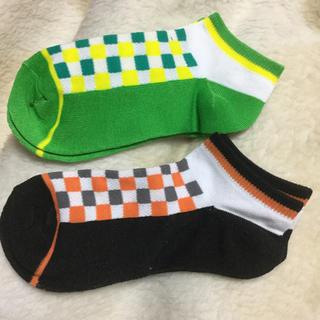 シマムラ(しまむら)の新品 キッズ靴下2足(グリーン系、オレンジ系)19〜21cm(靴下/タイツ)