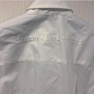 ドレスドアンドレスド(DRESSEDUNDRESSED)の【新品タグ付き】dressedundressed シャツ(シャツ/ブラウス(長袖/七分))