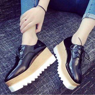 ■24.5cm 厚底シューズ スニーカー パンプス 軽い 歩きやすい 足長(ブーツ)
