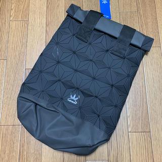 アディダス(adidas)のアディダス オリジナルス ロールトップ 3D バックパック 黒 ブラック(バッグパック/リュック)