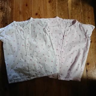 ユニクロ(UNIQLO)のユニクロかわいい女の子白ピンク小花刺繍ブラウス双子コーデGUメゾピアノWEGO(ブラウス)