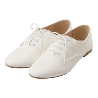 ジーユー(GU)の新品タグ付☆GUマニッシュシューズ☆白Lサイズ(ローファー/革靴)