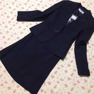 ナチュラルビューティーベーシック(NATURAL BEAUTY BASIC)のナチュラルビューティー スカートスーツ S W64 ラメ 濃紺 入学入園(スーツ)