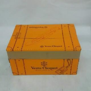 ヴーヴクリコ ブリュット 750㍉ 6本入り(シャンパン/スパークリングワイン)