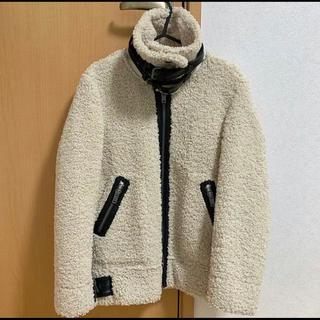 ザラ(ZARA)のボアジャケット(毛皮/ファーコート)
