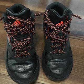 アディダス(adidas)のジュニア用 バスケットボールシューズ(バスケットボール)