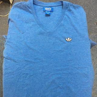 アディダス(adidas)のVネック Tシャツ アディダスオリジナルス(Tシャツ/カットソー(半袖/袖なし))