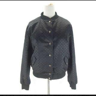 ルイヴィトン(LOUIS VUITTON)の美品★ヴィトン モノグラム ブルゾン ジャケット シルク 42 黒 ユニセックス(ブルゾン)