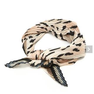 ジーナシス(JEANASIS)のjeanasis プリーツスカーフ(バンダナ/スカーフ)
