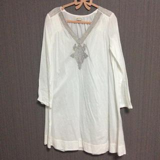 ナバアサナ(navasana)のナバアサナ navasana ワンピース 刺繍 長袖ワンピース(ひざ丈ワンピース)