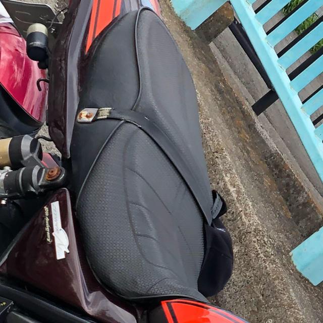 カワサキ(カワサキ)のゼファーχ シート 自動車/バイクのバイク(パーツ)の商品写真