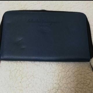 サルヴァトーレフェラガモ(Salvatore Ferragamo)のフェラガモ パスポートケース(旅行用品)