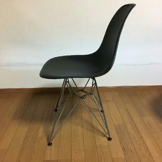 イームズサイドシェルチェア DSR ブラック(座椅子)