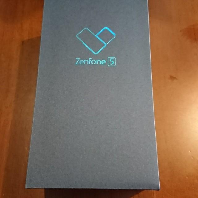 Zenfone 5 シャイニーブラック ZE620KL-BK64S6  スマホ/家電/カメラのスマートフォン/携帯電話(スマートフォン本体)の商品写真