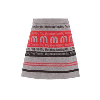 ミュウミュウ(miumiu)の<新品未使用>MIU MIU ロゴ ニット スカート(ミニスカート)