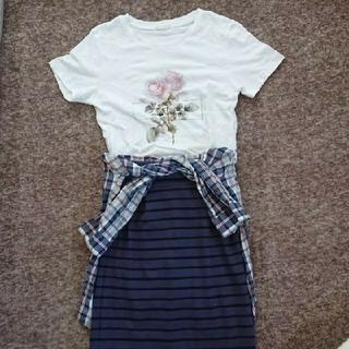 ジーユー(GU)の☆最終お値下げ☆美尻スカート   Tシャツ   セット(ひざ丈スカート)