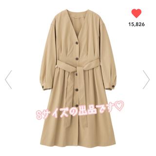 ジーユー(GU)の大人気♡GU♡フロントボタンノーカラーコート♡Sサイズ(トレンチコート)