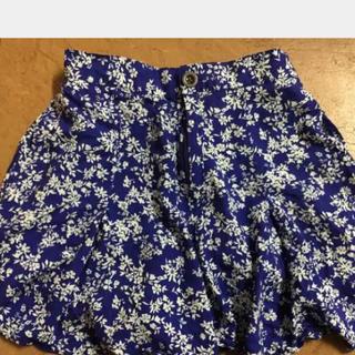 ジーユー(GU)の小花柄  キュロットスカート  gu(スカート)