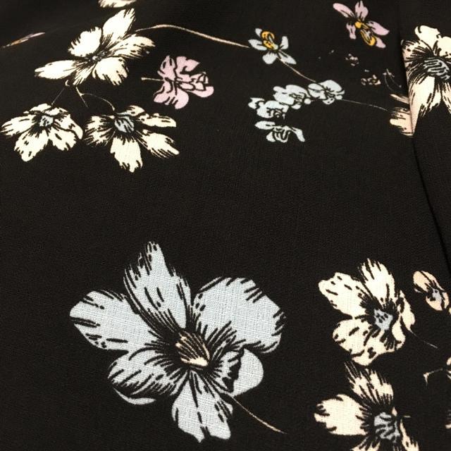 ZARA(ザラ)のPARADE anna tsuchiya 花柄ガウンワンピース 羽織り レディースのワンピース(ロングワンピース/マキシワンピース)の商品写真