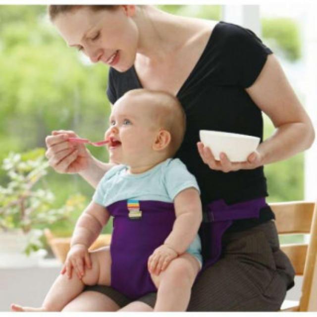 130 ブラック ベビー 赤ちゃん チェアベルト キャリフリー 椅子 補助 安全 キッズ/ベビー/マタニティのキッズ/ベビー/マタニティ その他(その他)の商品写真
