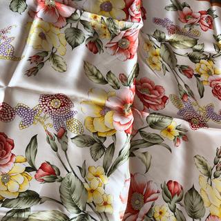 ヴァレンティノガラヴァーニ(valentino garavani)の新品♡ヴァレンティノ スカーフ(バンダナ/スカーフ)