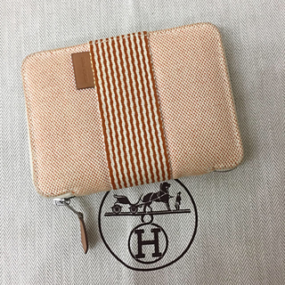 c0cc06c1cafd エルメス(Hermes)の正規品 HERMES エルメス フールトゥ 折り財布 オレンジ色 送料込み