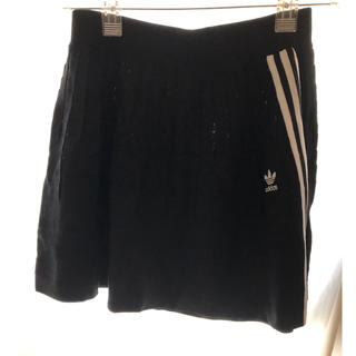 アディダス(adidas)のアディダス ニットスカート(ミニスカート)