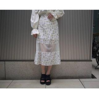 ハニーミーハニー(Honey mi Honey)のフラワープリントスカート(ロングスカート)