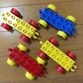 レゴ(Lego)のレゴ デュプロ カーベース 車 4台セット(積み木/ブロック)