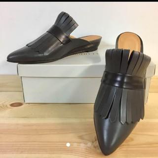 イエナ(IENA)のDOROTHY TALEドロシーテール  上質な本革バブーシュ (ローファー/革靴)