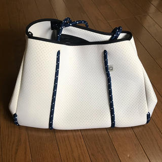 キュー(Q)の<美品>Q bag Paris トートバッグ Bigサイズ(トートバッグ)
