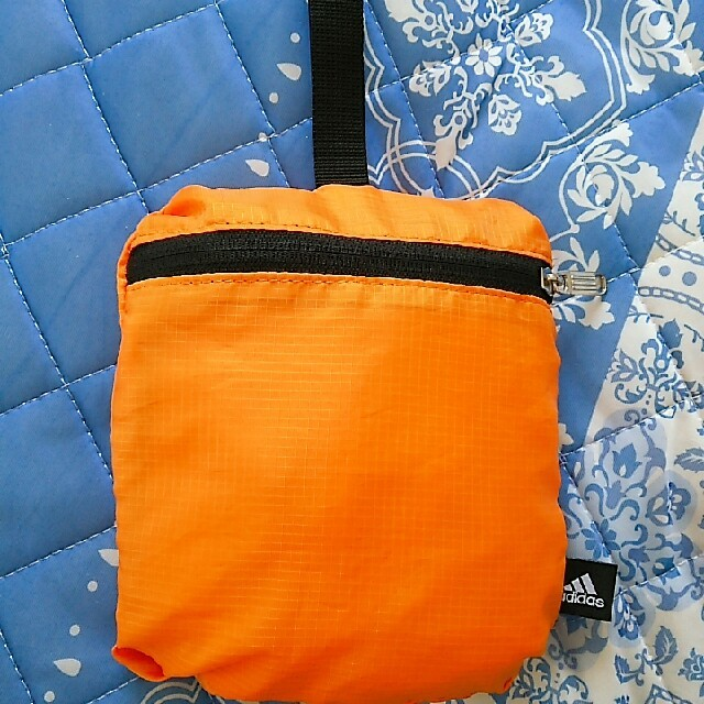 adidas(アディダス)のadidas 折り畳みリュック 新品 アディダス メンズのバッグ(バッグパック/リュック)の商品写真